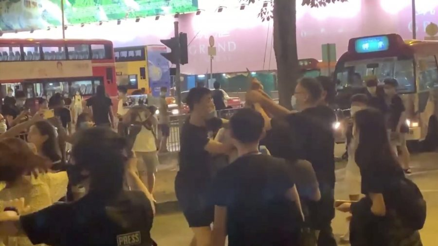 Hongkonger Injured in Knife Attack While Defending Epoch Times Staffer Says He Has No Regrets
