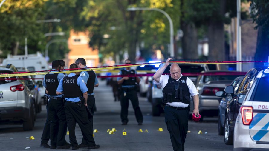 Police: 8 Dead, 19 Wounded in Weekend Shootings Across Chicago