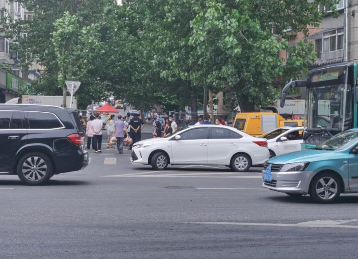 The residential compound is locked down in Dalian
