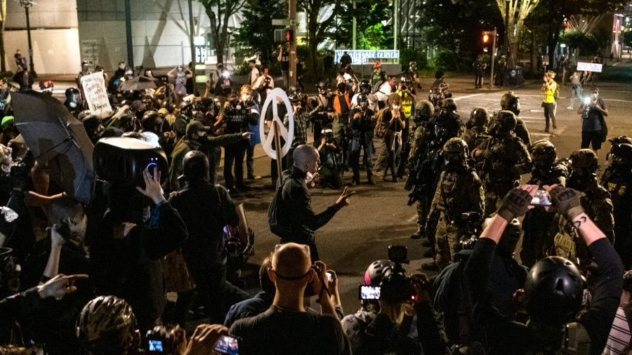 Trump Administration, Oregon Timelines Conflict as State Prepares to Intervene in Portland